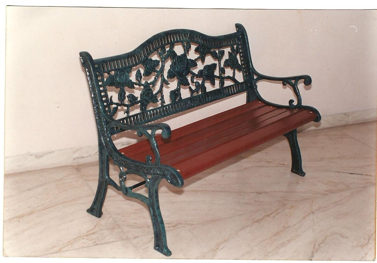 rose arc bench
