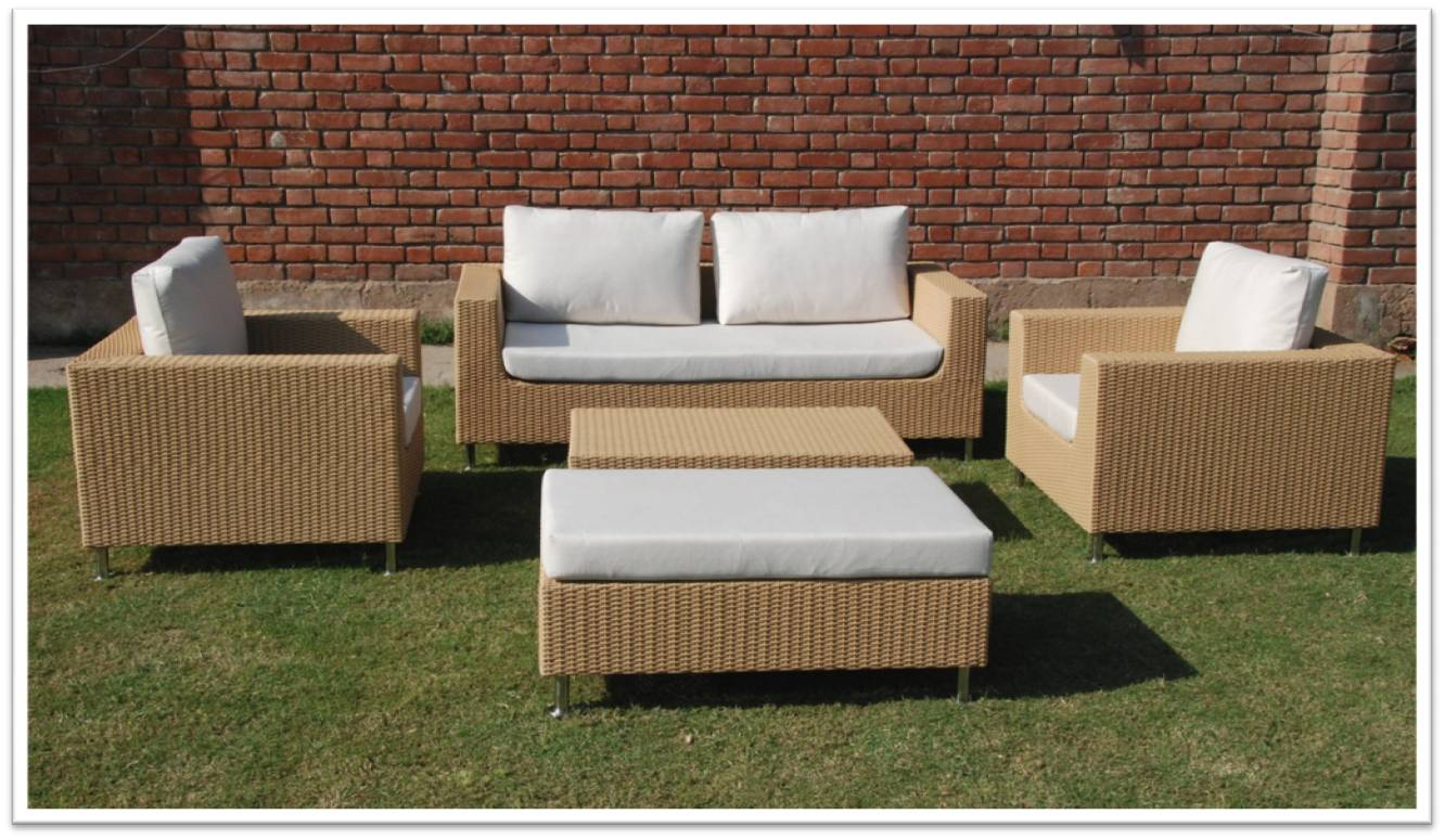 Furniture chandigarh panchkula haryana trendz wooden for Outdoor furniture darwin
