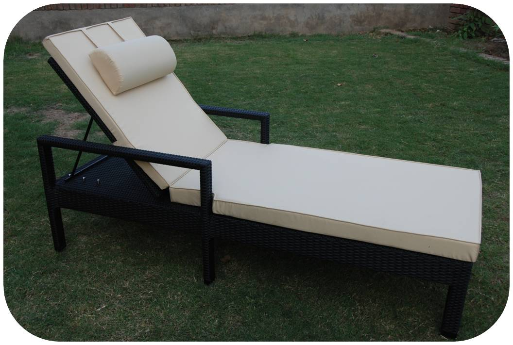 Mayo outdoor lounger