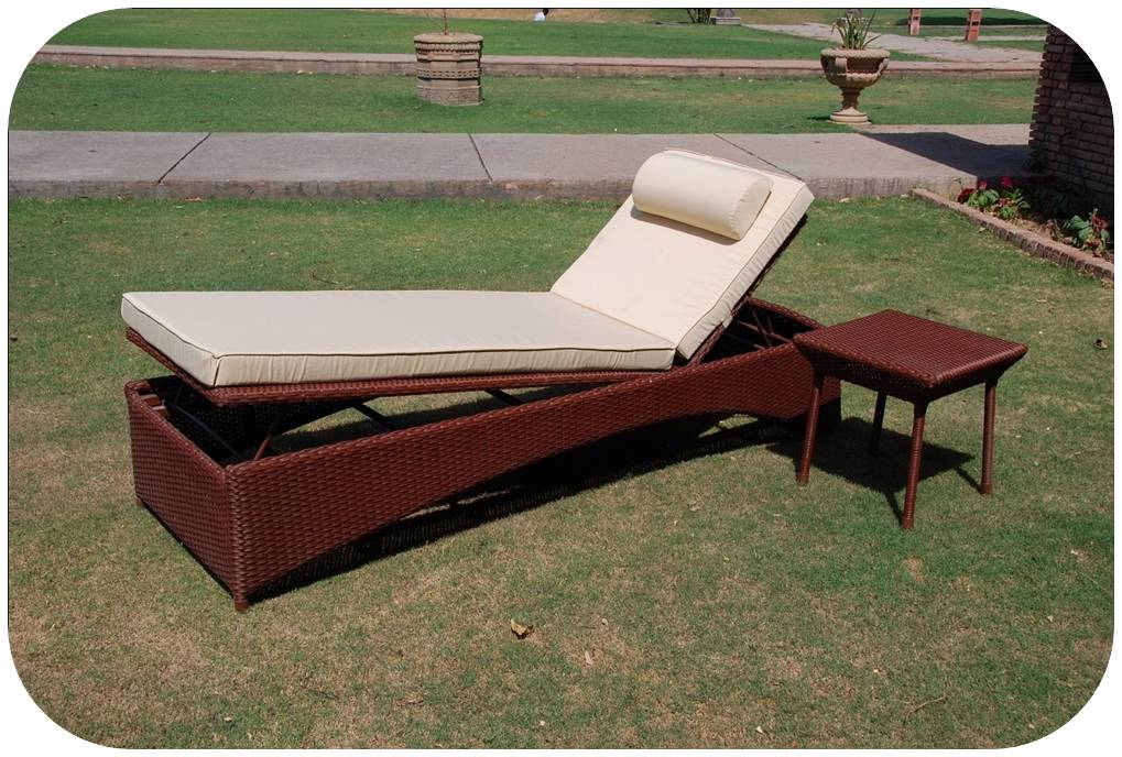 outdoor lounger